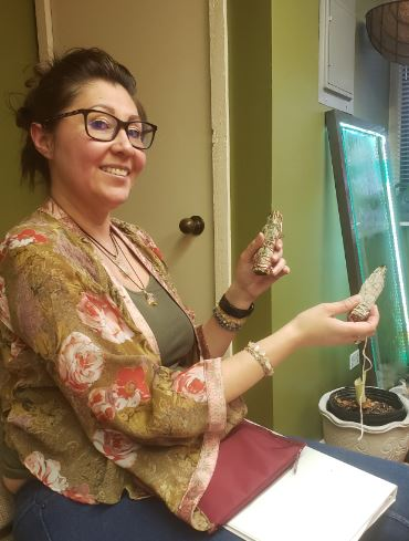 Emily W. Leads Energy Education & Intuitive Development class