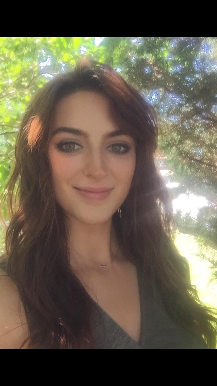 Nicole Jakbuiak, Level 3 Reiki MAster Practitioner