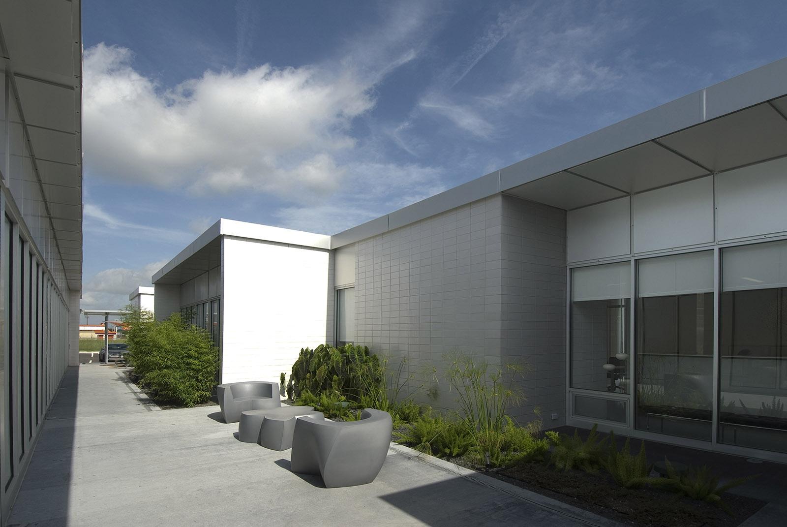 Northshore Dental Courtyard