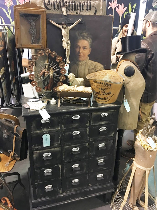 Toronto-antique-and-vintage-market-cabinet.jpg