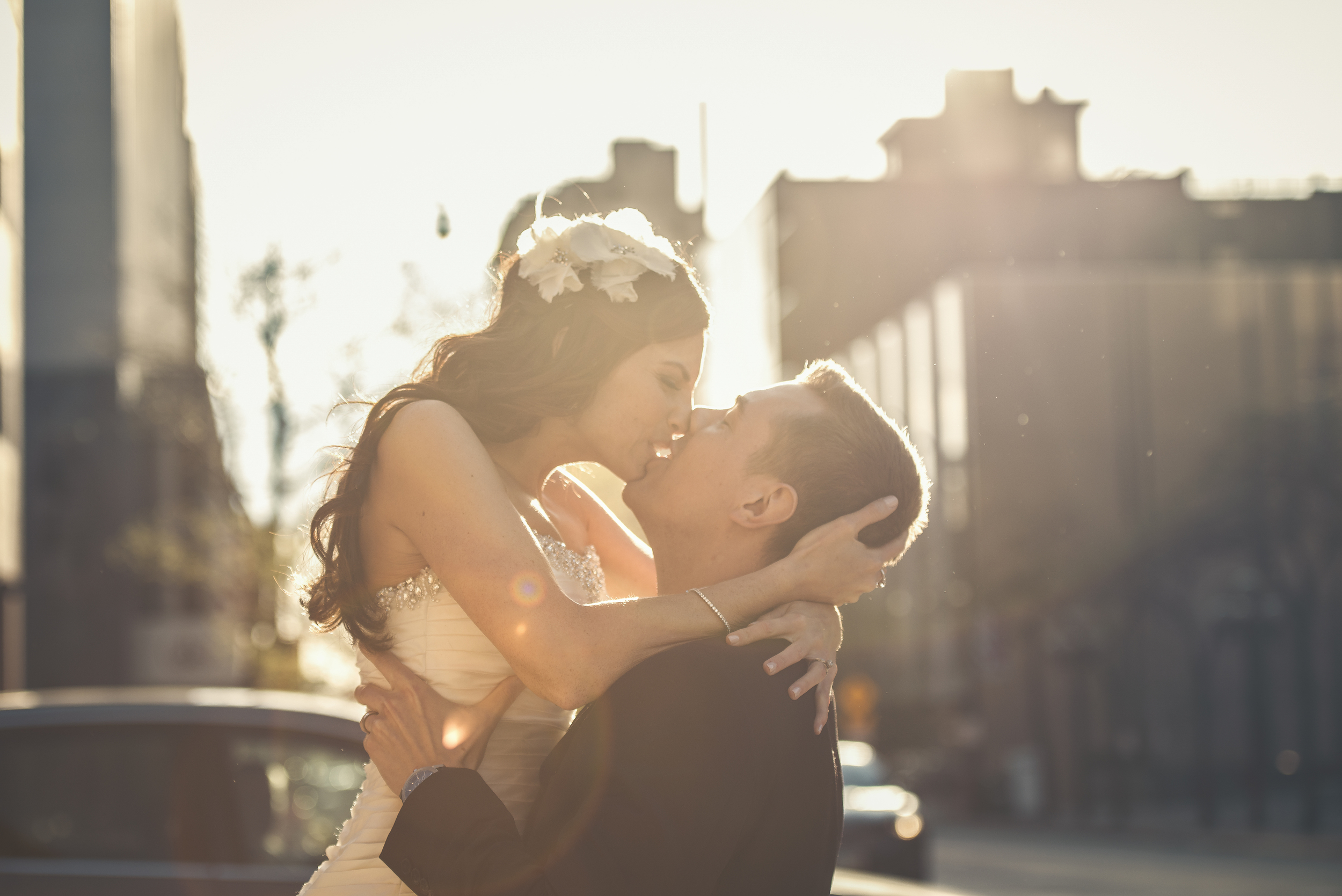 Bride and groom's sunset photo shoot in downtown Columbus, OH