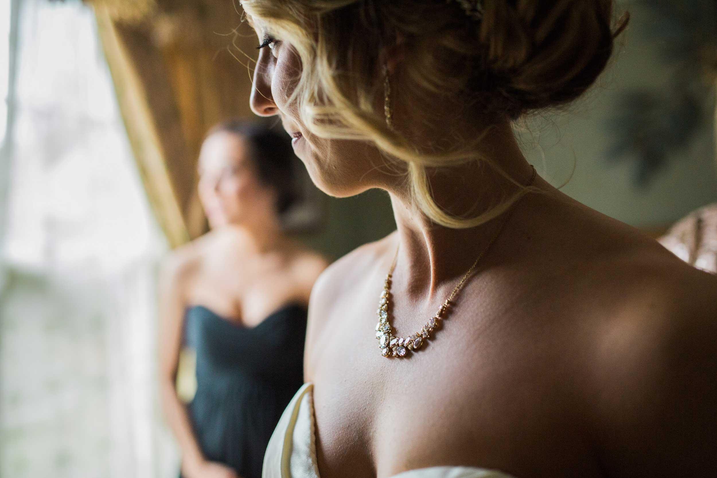 Gold wedding necklace