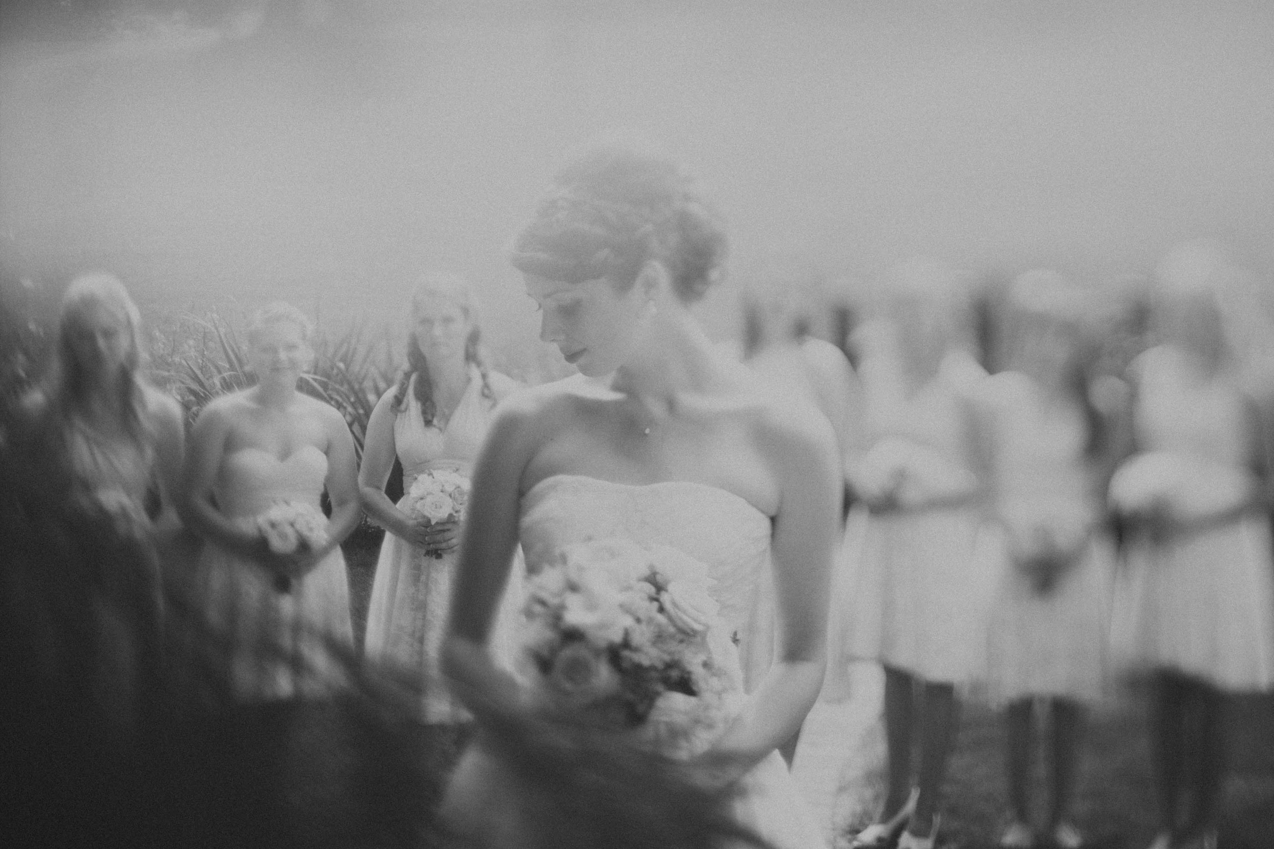 Freelensing the Bride and her ladies.