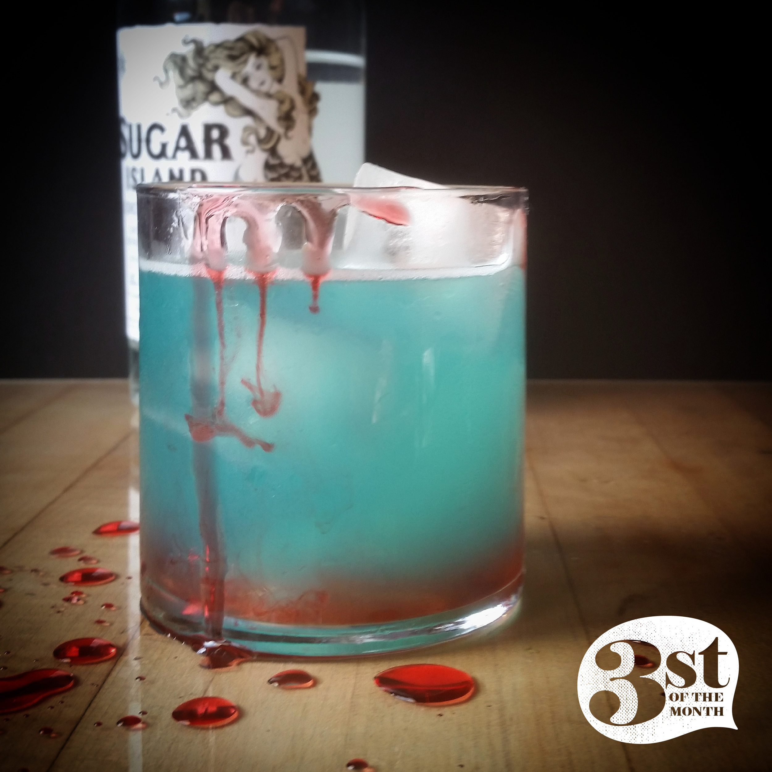 Shark Bite Cocktail for #SHARKWEEK from 3st of the Month