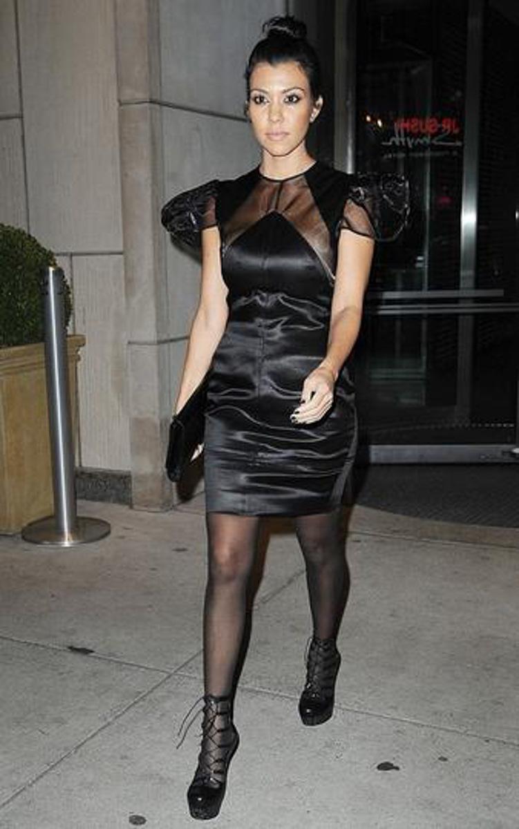 Kourtney-Kardashian-Styled-by-Monica-Rose_003.jpg