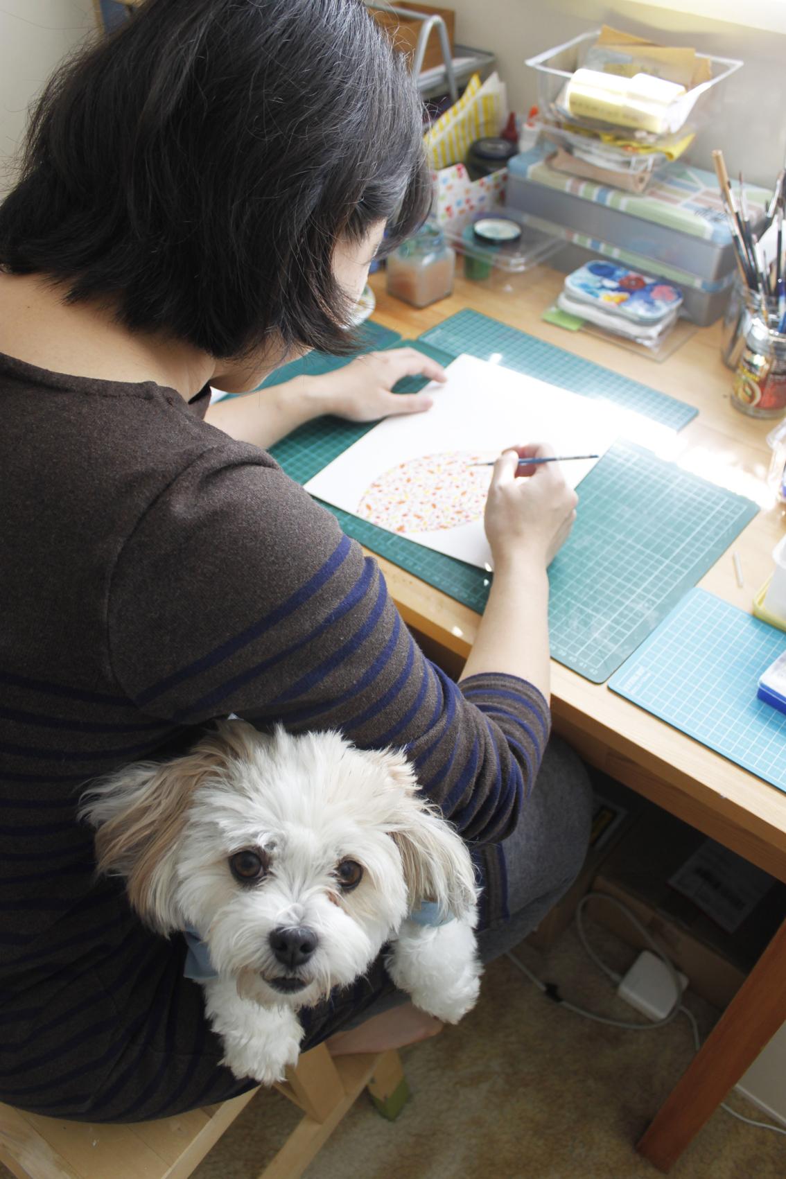 Jacqueline and her little helper Cuwie
