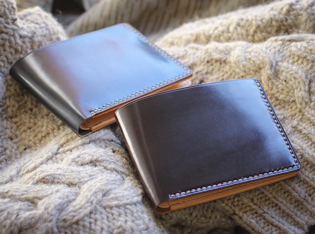 Weekend for some, workday for others. Happy Saturday 9-5ers! ;) Two Floyd Billfolds, both with Horween Shell Cordovan, Color #8 and Black, with natural veg-tan interior. #WLCgoods . . . #leathercraft #leatherwork #leatherwallet #billfold #bifold #shellcordovan #horsehide #wallet #leatherwallet #simplicity #menstyle #mensstyle #edc #quality #monday #handmade #accessories #horween #investment #madeinusa #saturdaymorning
