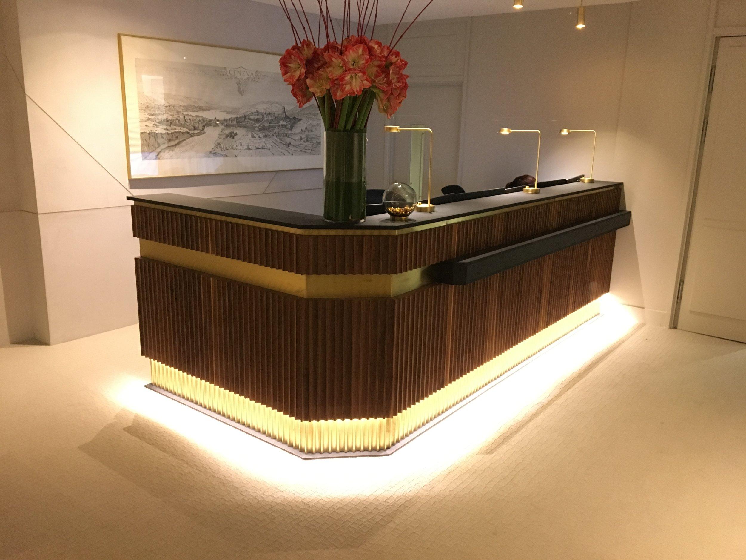 Reception Desk - Mayfair