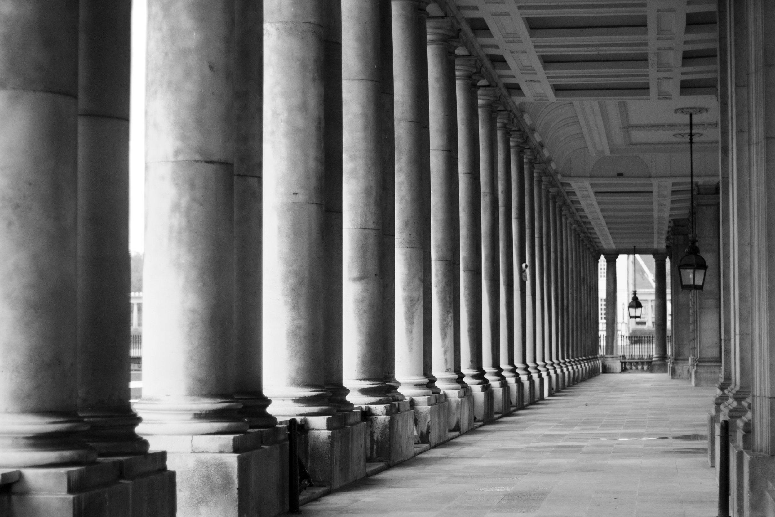 columns_at_cutty_sark.jpg