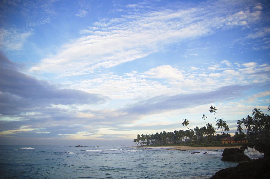 Pehambiya Headland, Dickwella Beach
