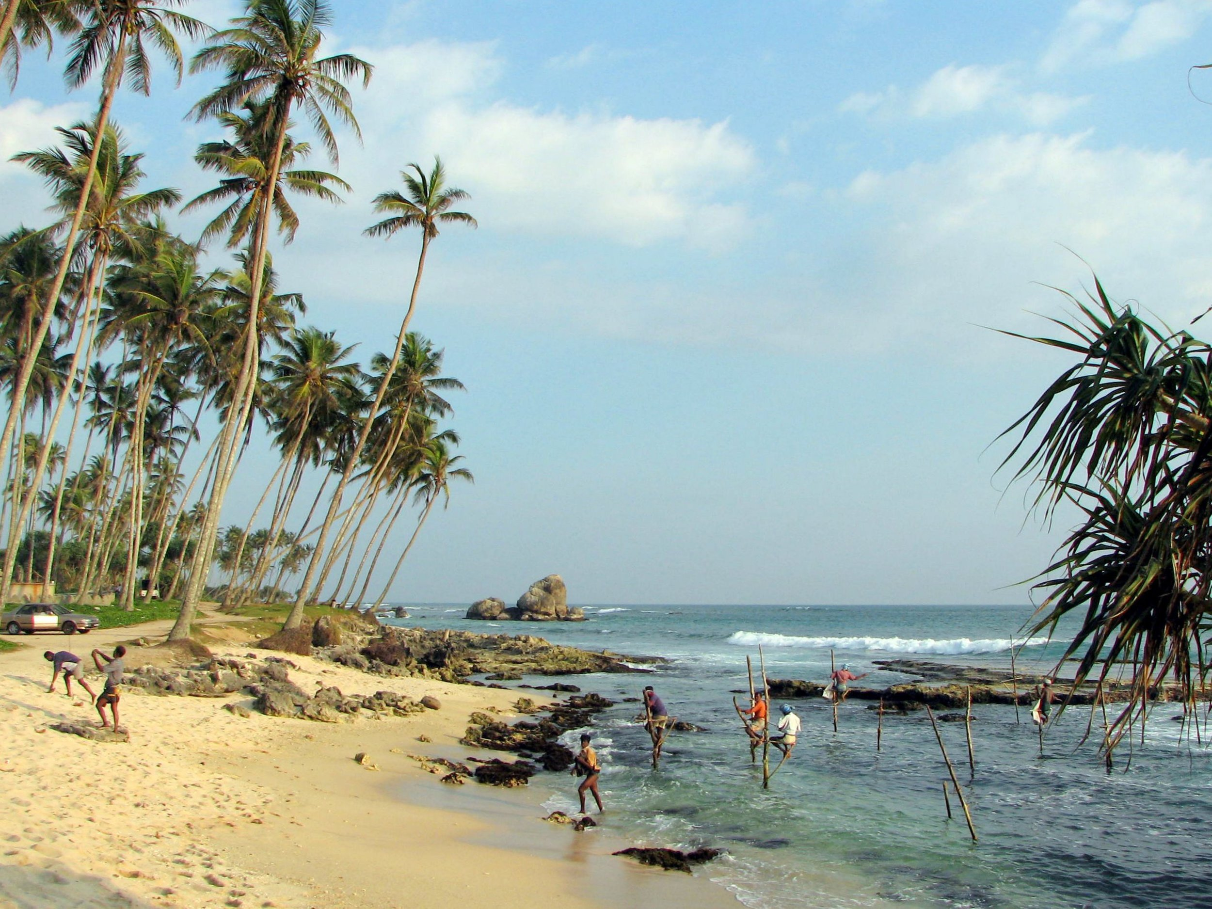 Stilts_fishermen_Sri_Lanka_01.jpg
