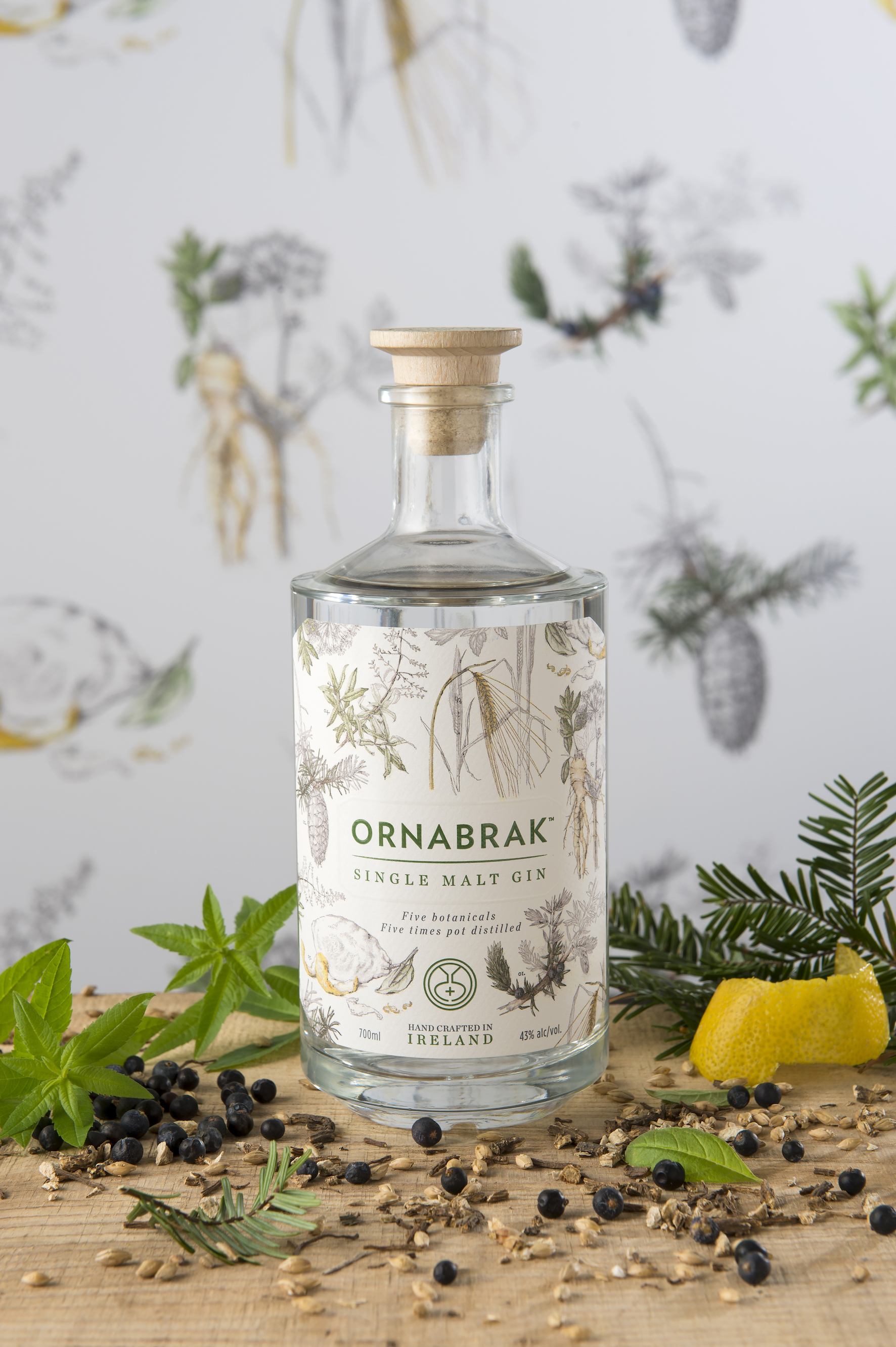Ornabrak_Single_Malt_Gin_botanical_backdrop_and_fresh_botanicals.jpg