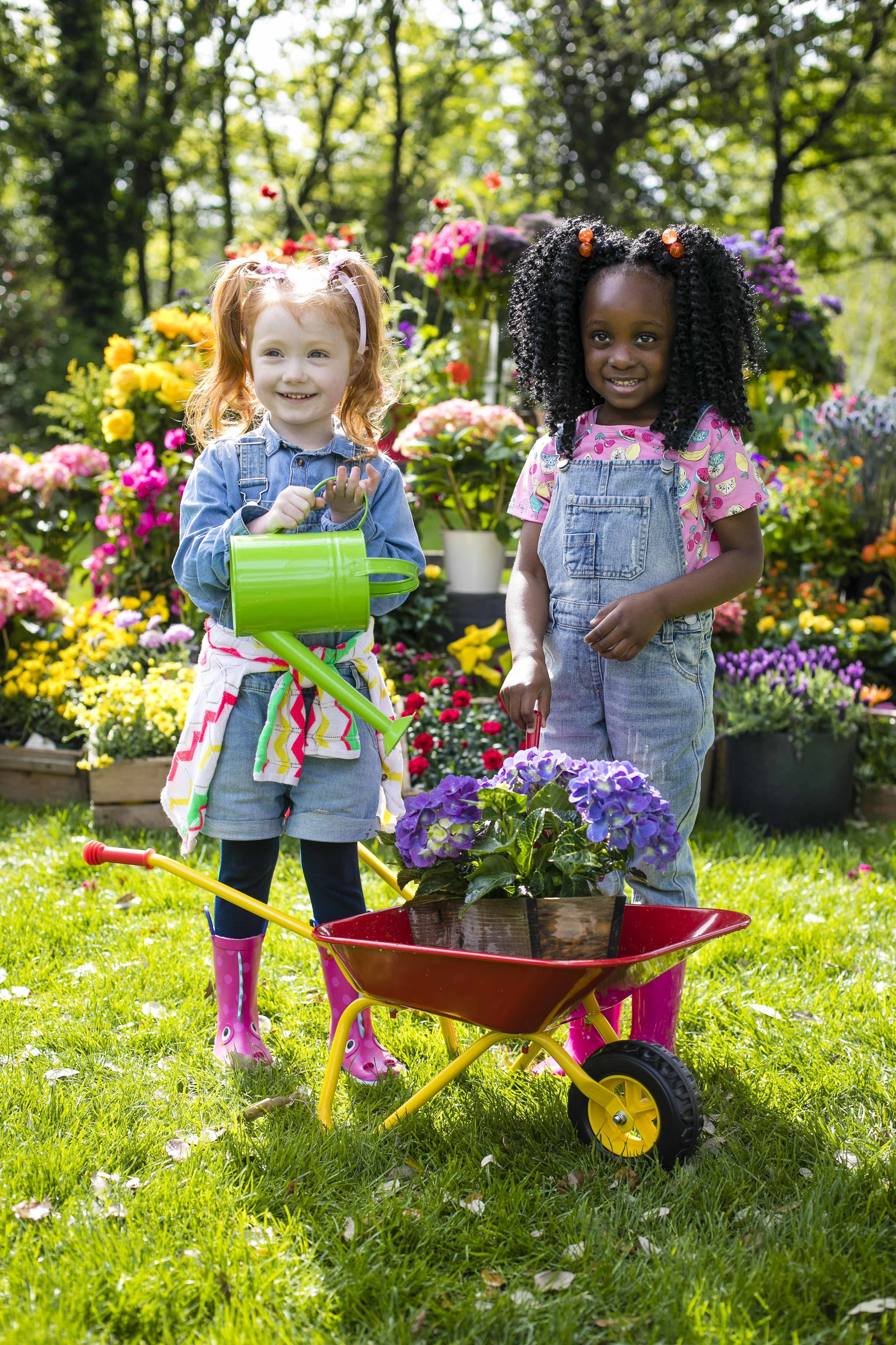 Florence Marlow Ward (4) and Adrianna Fayiah (5) (pic: Chris Bellew / Fennell)