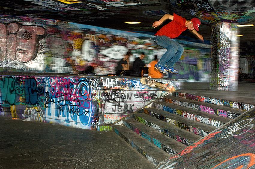 Richard-Slater_PeopleinLondon__Southbank-Skater.jpg