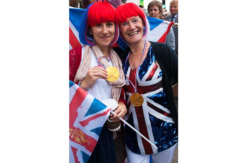Richard-Slater_PeopleinLondon__Olympic-Team-Parade.jpg