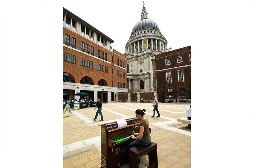 Richard-Slater_PeopleinLondon__Piano.jpg