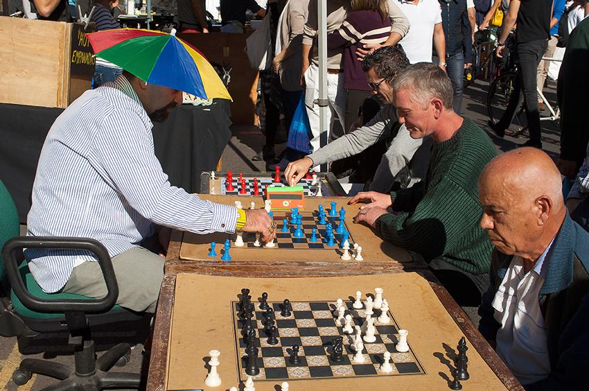 Richard-Slater_PeopleinLondon__Chess.jpg