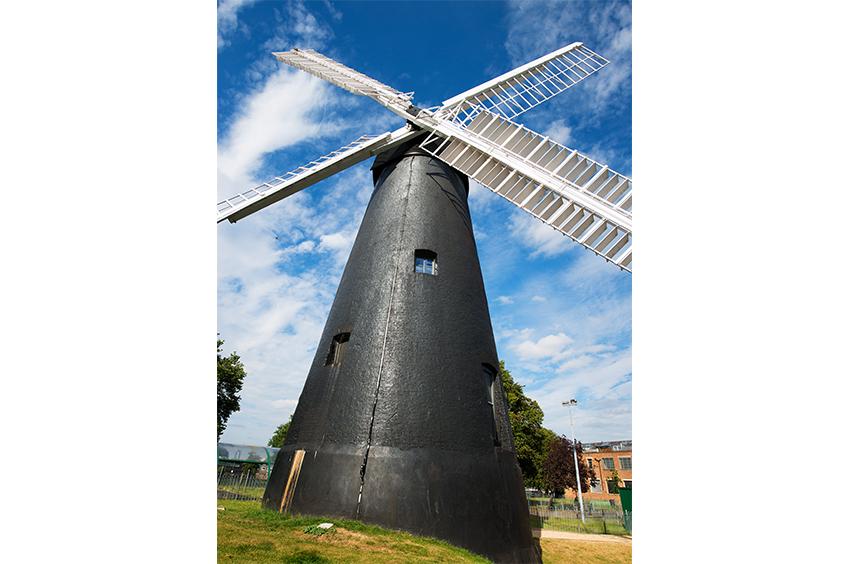 Richard-Slater_PeopleinLondon__Brixton-Windmill.jpg