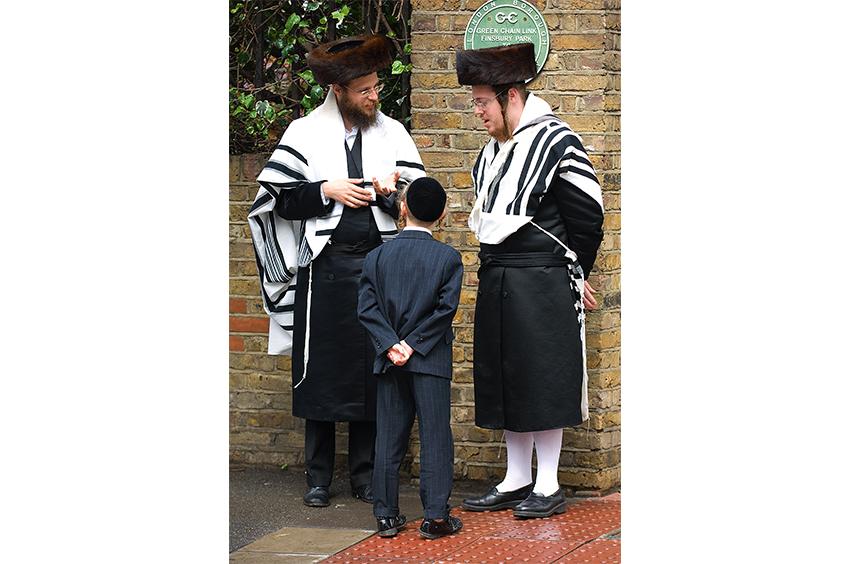 Richard-Slater_PeopleinLondon__Orthodox-Jews.jpg