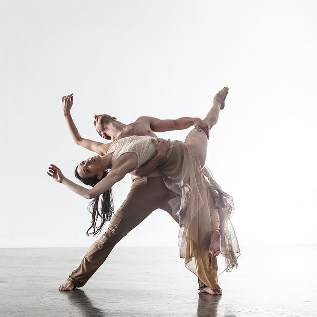 Hubbard Street Dance Chicago, 2014. Photo: Quinn Wharton Photography.