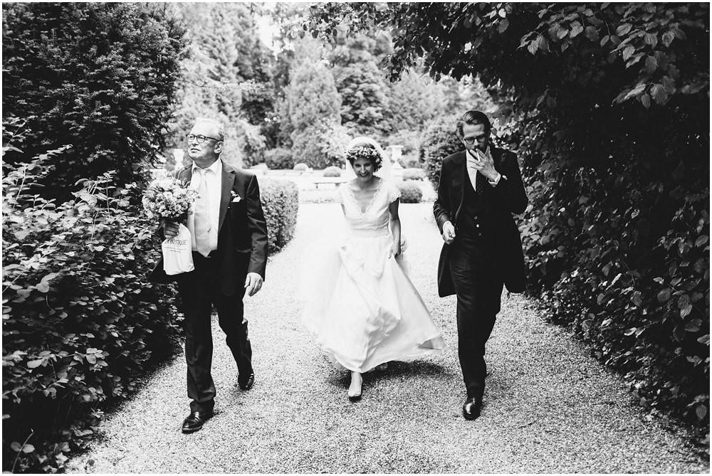 Brautpaar und Brautvater
