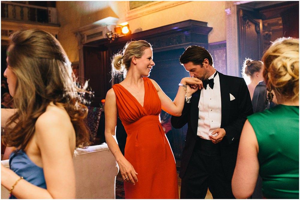 Gäste beim tanzen