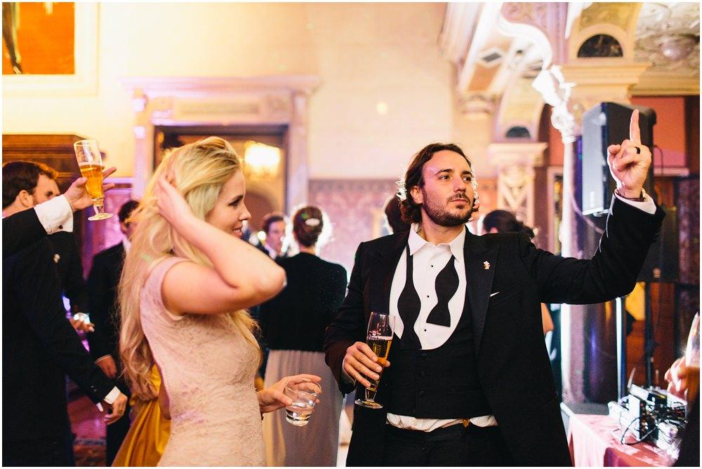 Gast auf einer Hochzeit