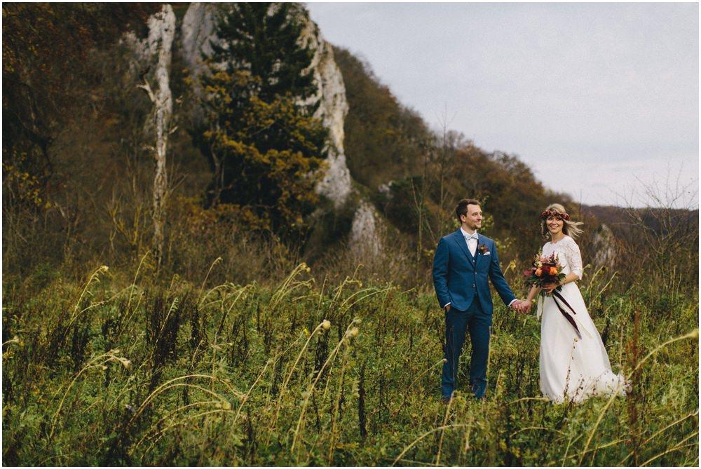 Brautpaar in freier Natur