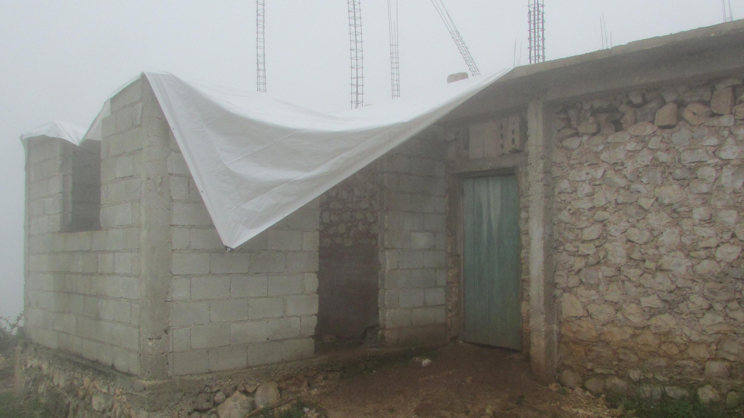Chapottin's grade 4 needed a roof.