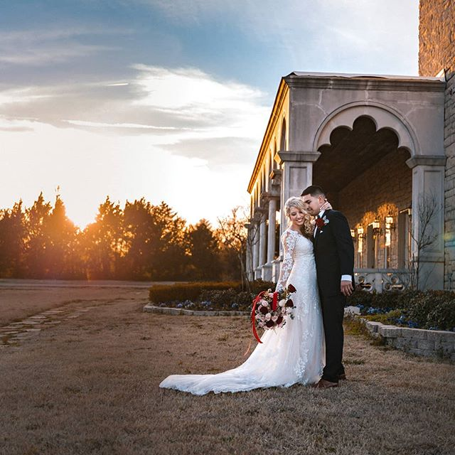We love #goldenhour . . . #weddingfilm #weddingvideo #wedding #weddingvideography #weddingvideographer #dallaswedding #love #bride #groom #rockwall #newlyweds #funwedding #dfwwedding #weddingphotography #weddingbouquet #weddingportait #weddingdress #weddingdress #castlewedding #weddingphotography #classicwedding #love #happiness #marriage #happilyeverafter #weddingvideo