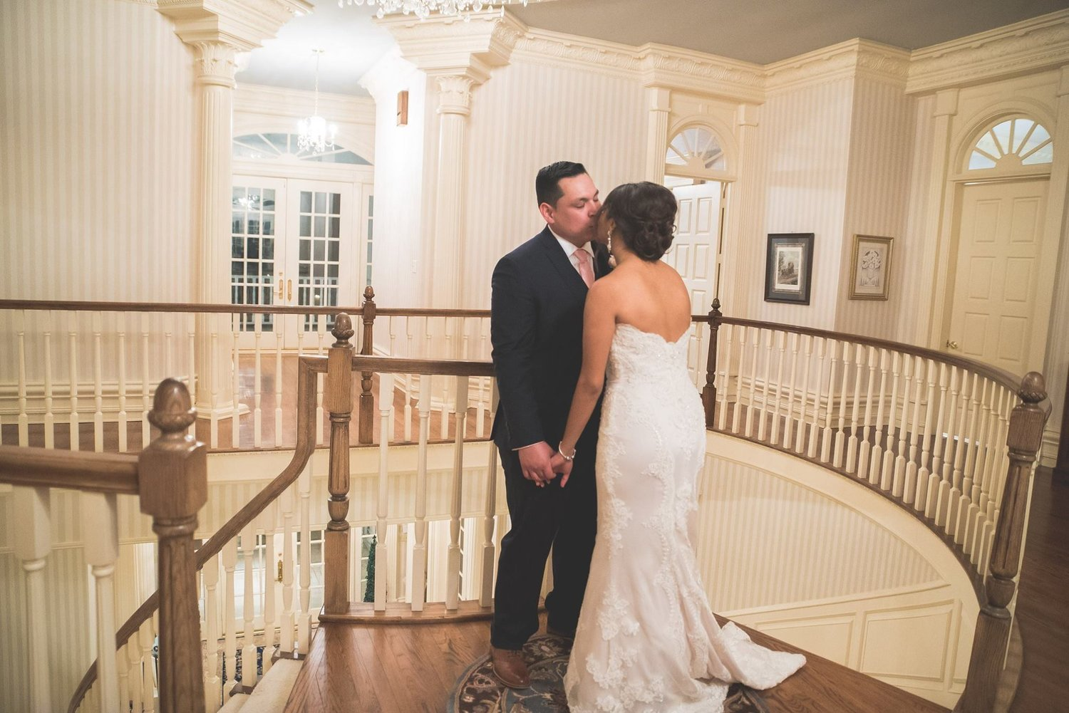 - MARITZA + CHRISbeautiful LONE STAR MANSION wedding