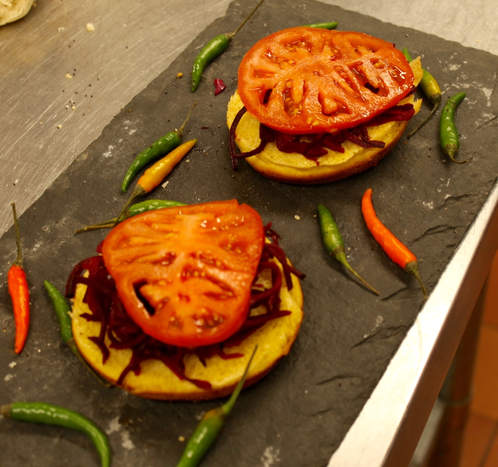 The perfect burger process starts with red cabbage and beef tomatoes in our kitchen...