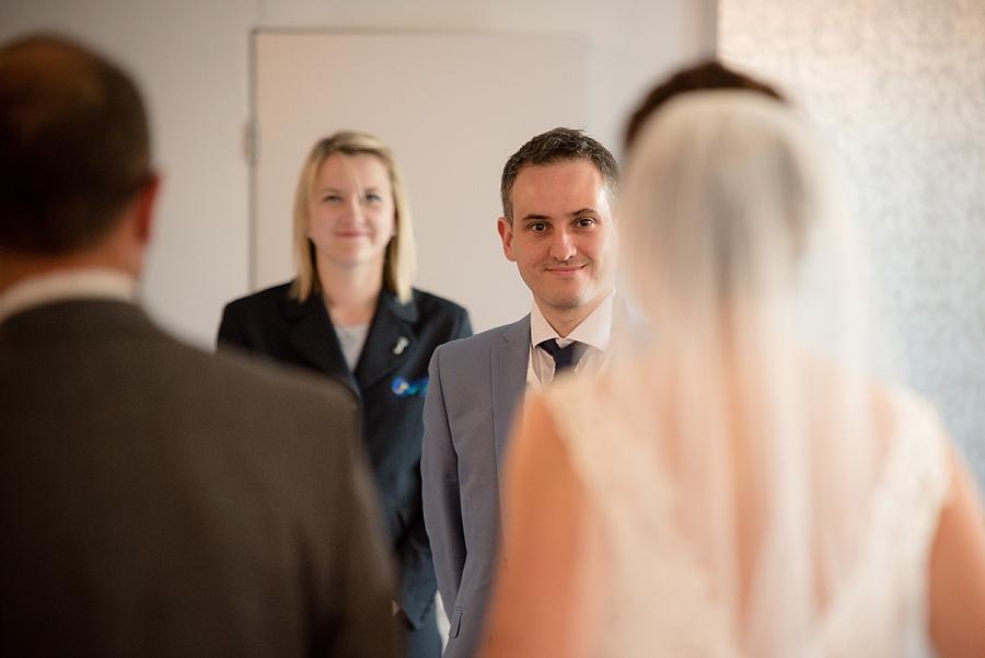 westcliff-hotel-southend-wedding_0023.jpg