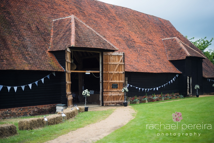 grange-barn-essex-wedding_0016.jpg