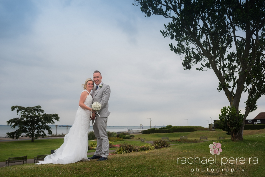 roslin-beach-southend-wedding_0013.jpg