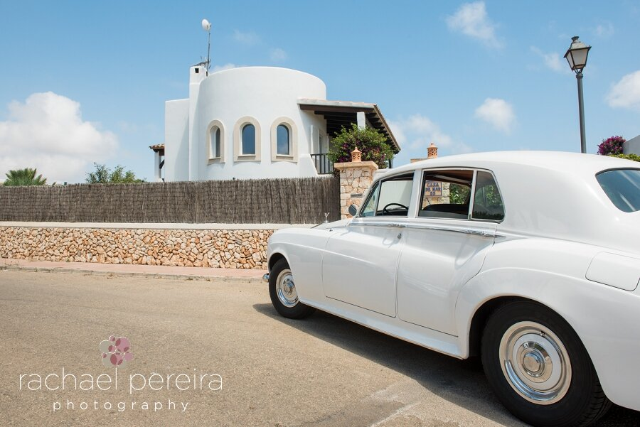 The couple had a classic Rolls Royce to take Emma and her dad to the venue.  We also took a few photos of the couple with the car after the ceremony.