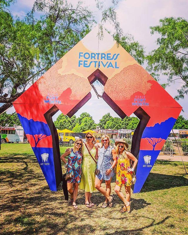 Festwithus. @fortressfest 🌸🌼🌻🌺 #laurenandanneseason