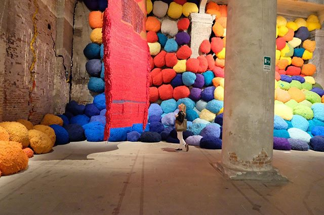 """""""It sounds to me like an inevitability, that we're going to destruct with our methods of living. We're in the process of our own destruction. We can make art in the meantime."""" - Sheila Hicks, artist, 84 . . . I've been thinking about this installation that I saw at the 2017 Venice Biennale. I couldn't remember who the artist was and @ateliersheilahicks just showed up in my feed. I read an interview with her from @surfacemag and her advice to young people is: """"Do what you like to do! It'll probably fly. If you're doing something you don't like to do, it probably won't fly."""" #makeart"""