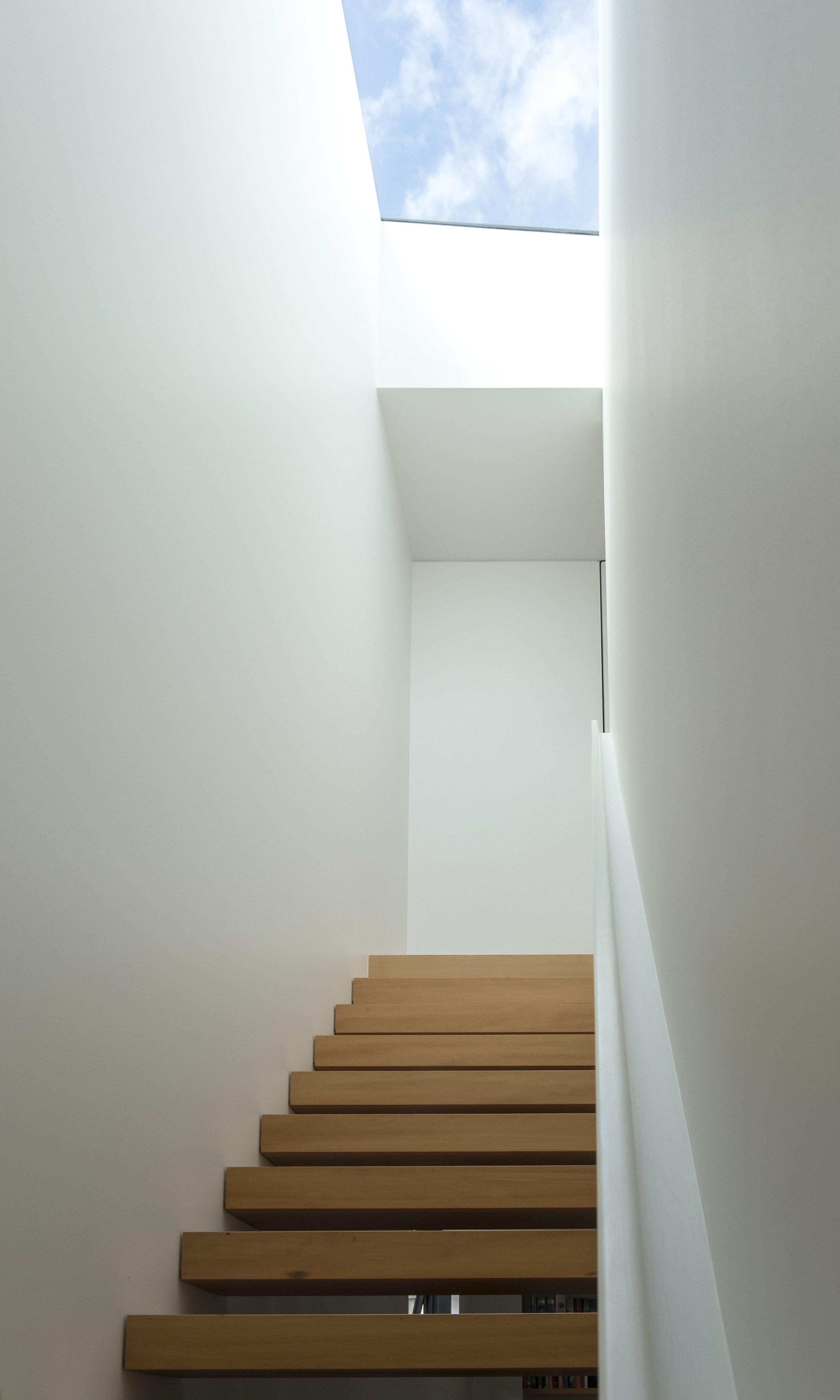 Case Study Villa_Staircase towards master bedroom_6 of 10.jpg