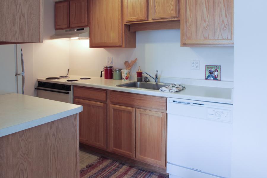 Kitchen 01-0383.jpg