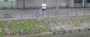 feature_travel_picture_bargebiker.jpg