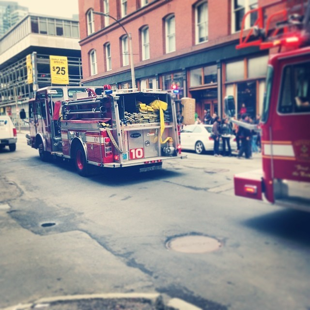 Becoming a daily occurrence. #boston #fire #bfd #leatherdistrict (at We Make Heart LLC)