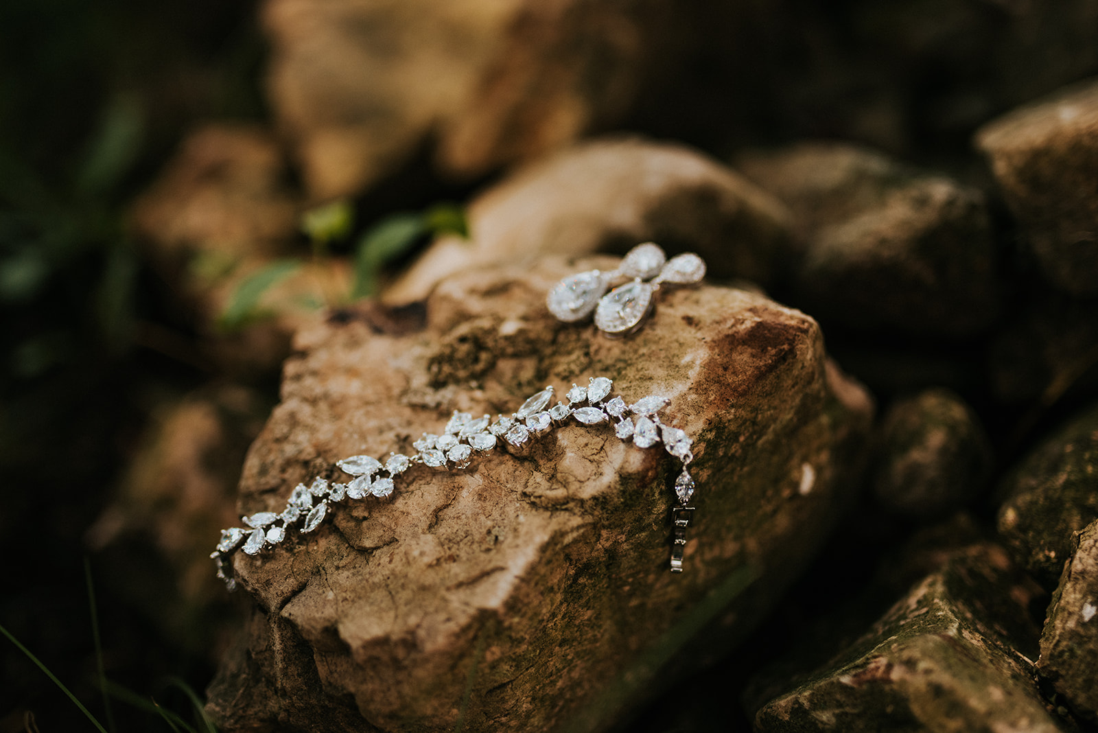 overthevineswisconsinwedding_0189.jpg