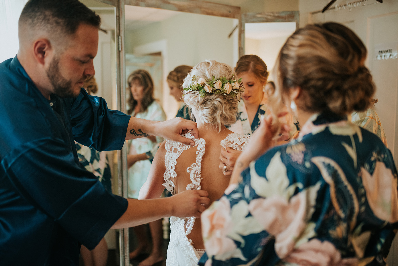 overthevineswisconsinwedding_0278.jpg
