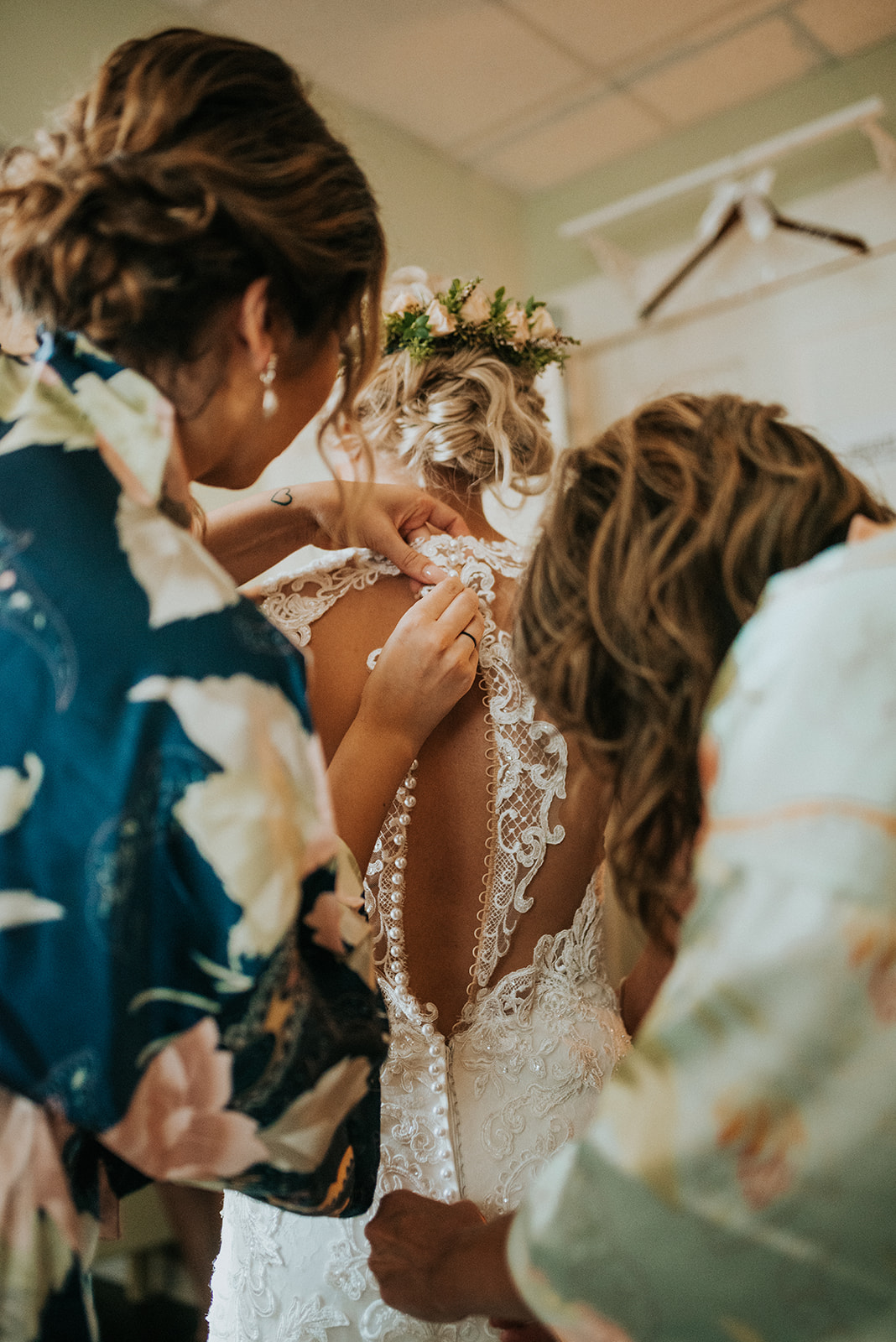 overthevineswisconsinwedding_0288.jpg