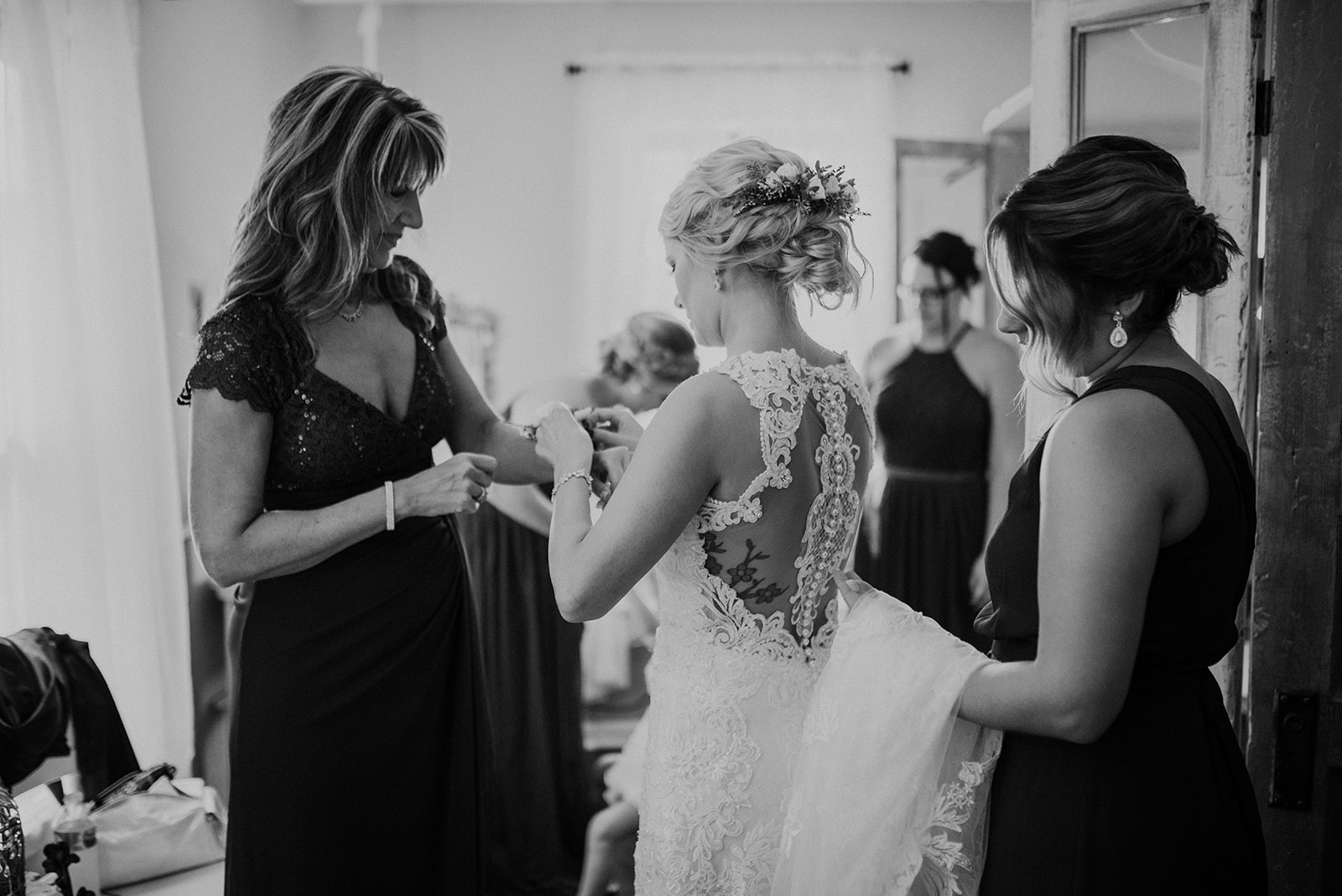 overthevineswisconsinwedding_0431.jpg