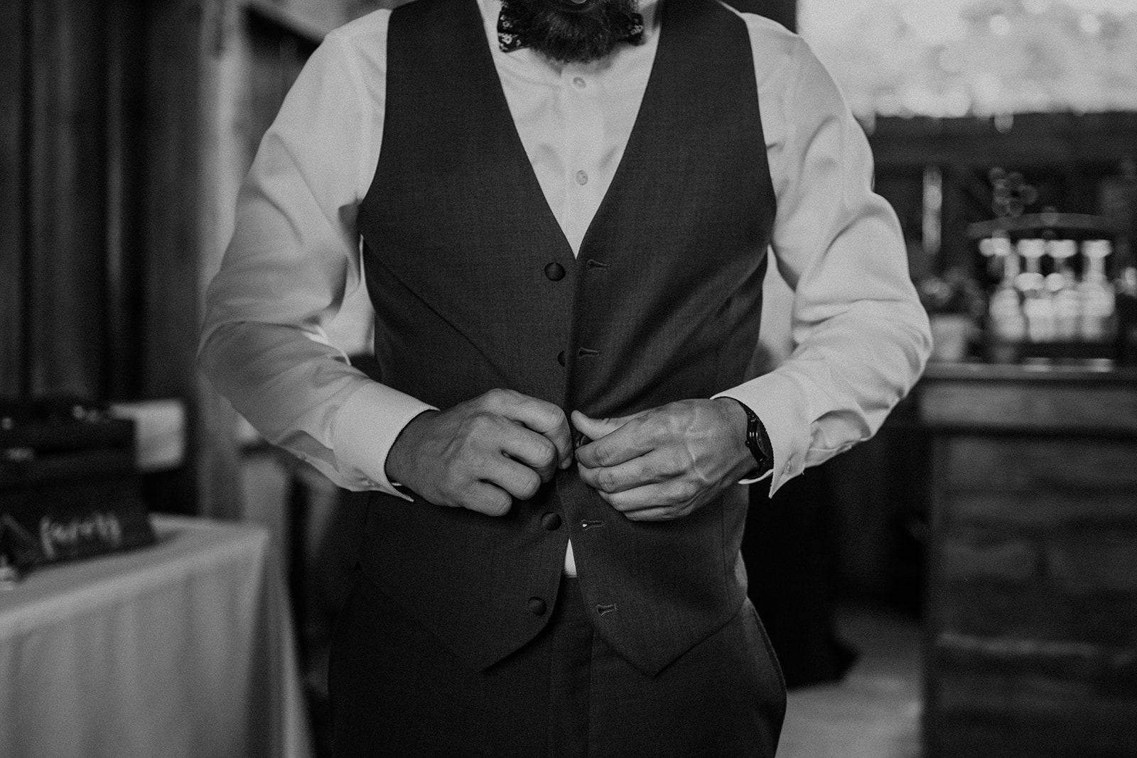 overthevineswisconsinwedding_0436.jpg