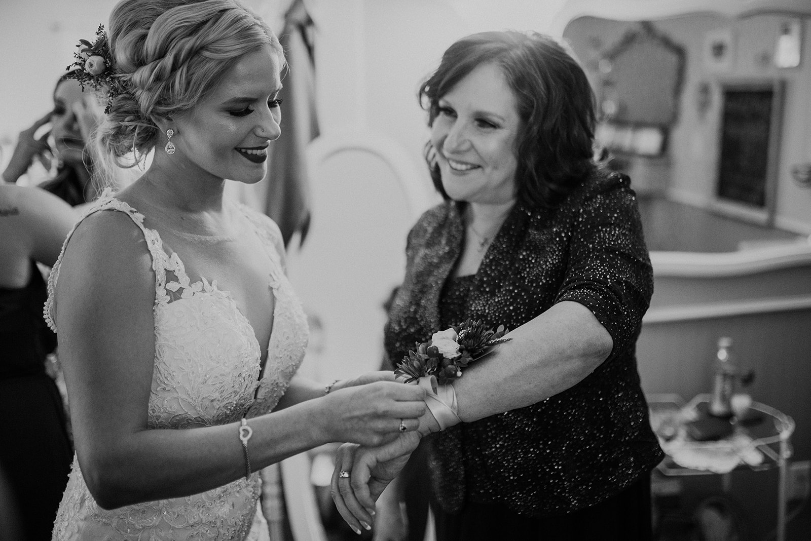 overthevineswisconsinwedding_0443.jpg