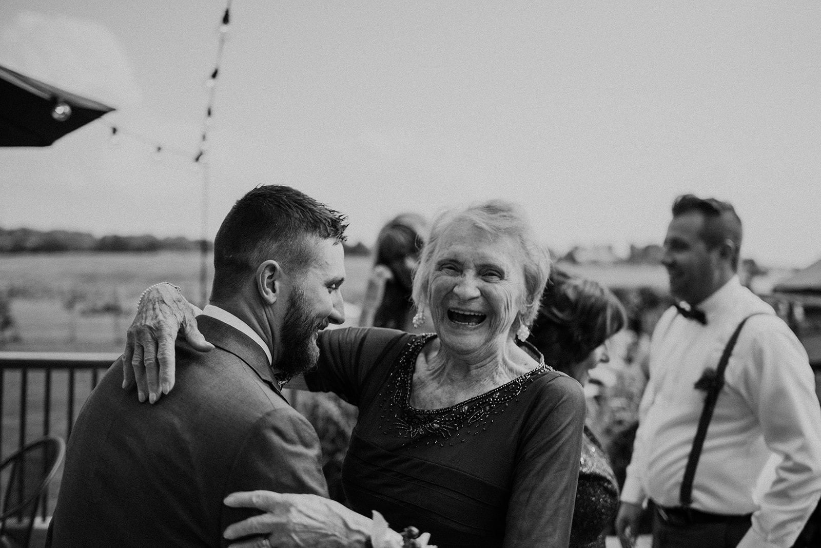 overthevineswisconsinwedding_0542.jpg