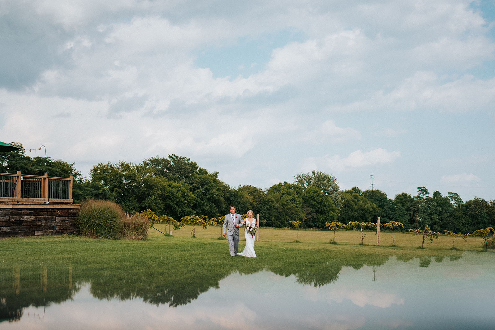 overthevineswisconsinwedding_0603.jpg